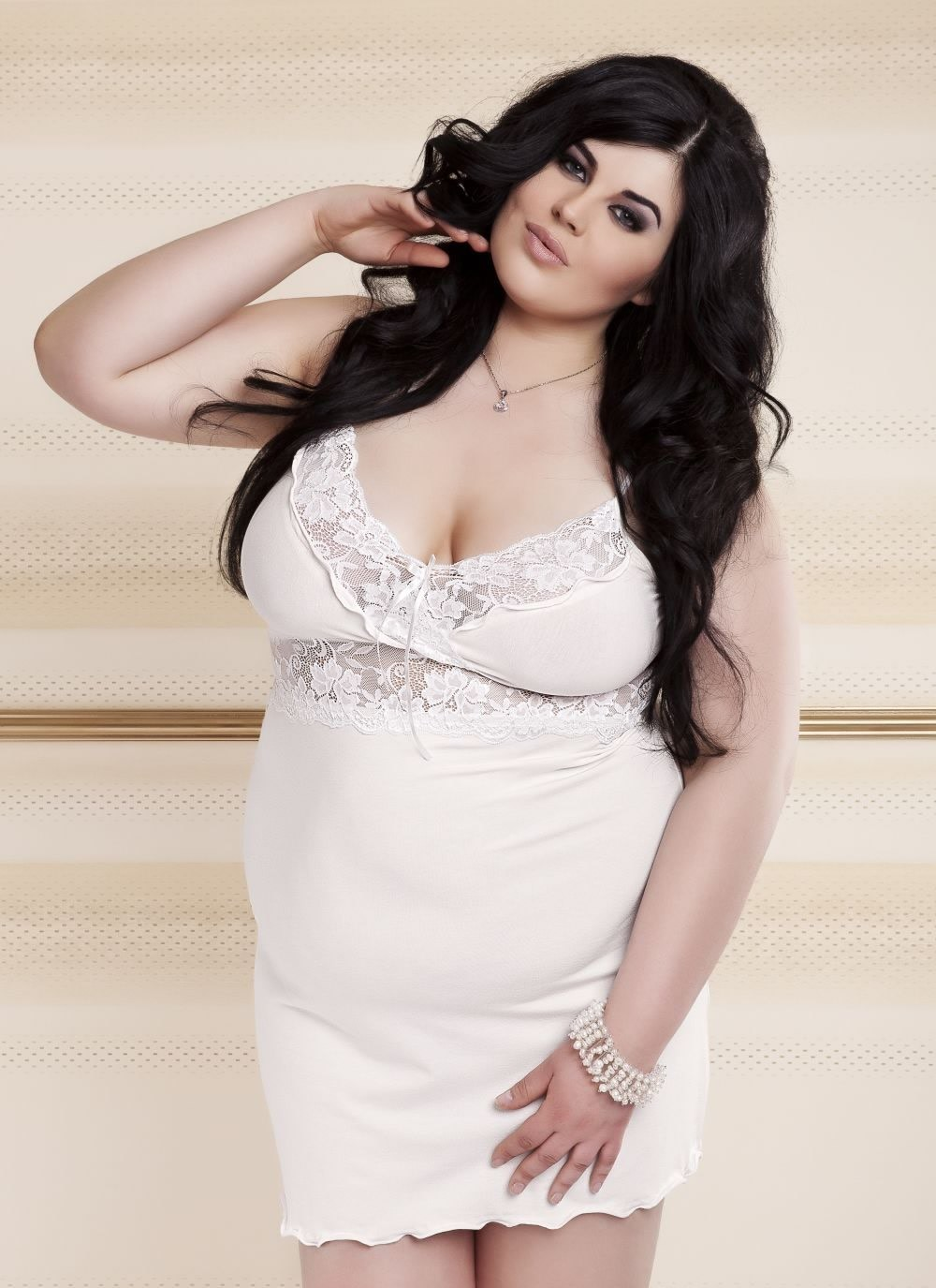 Ines Plus size Nightie