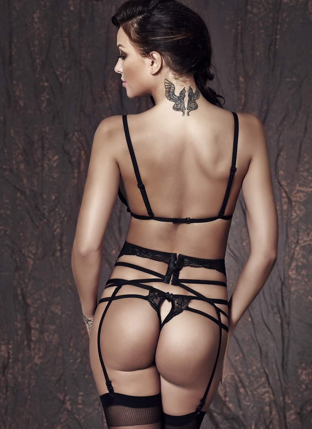 Sapphira bra, garter belt and panty