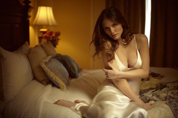 christine_lingerie_canada_grande